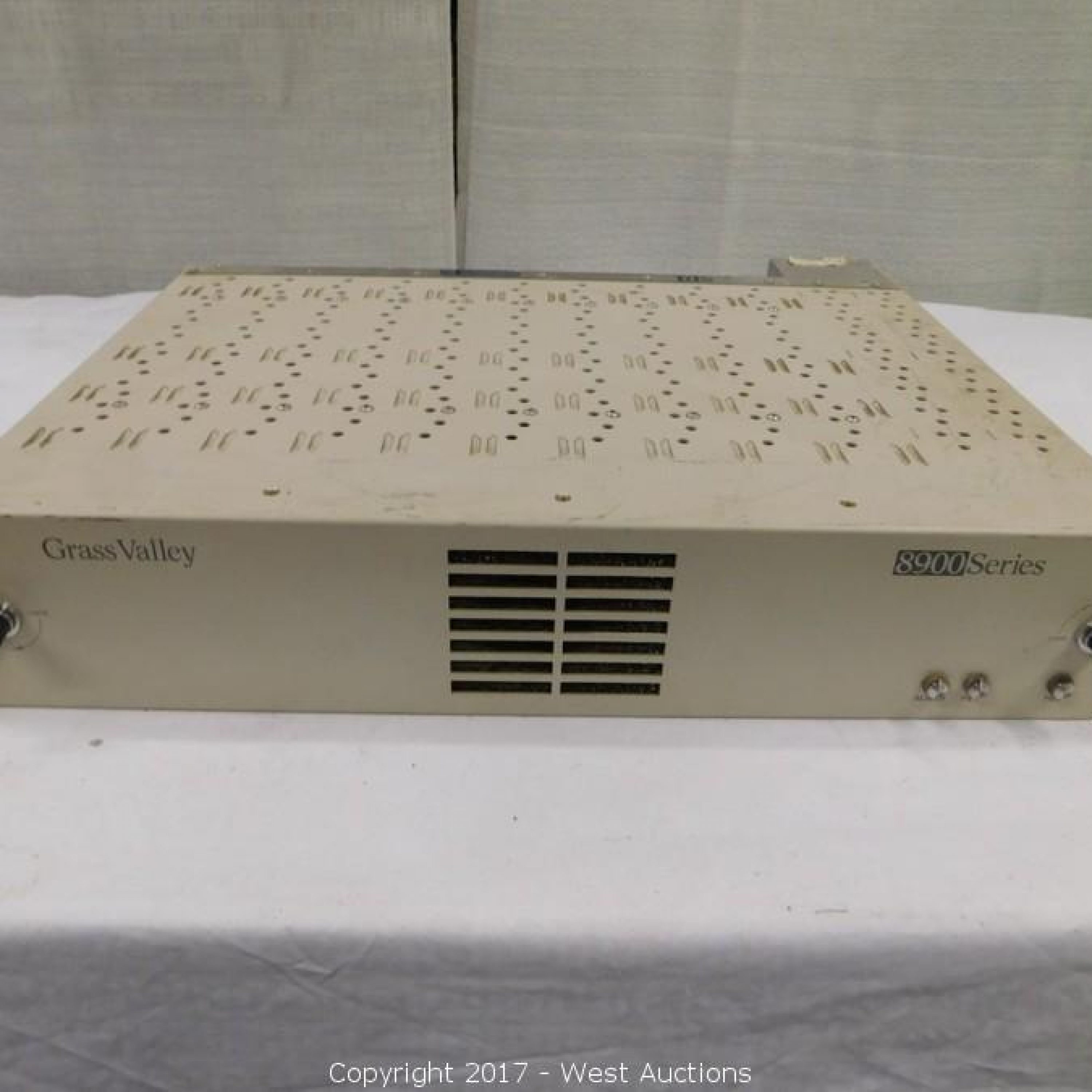 Grass Valley 8900 Series Video Distribution Frame